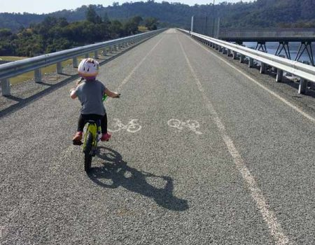 Cycling around the Hinze Dam